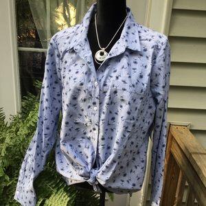 NWT Liz Claiborne button up shirt. Size XL. Blue